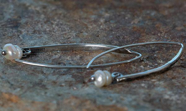 716 Perla 06 Hook Pearl Oorbel