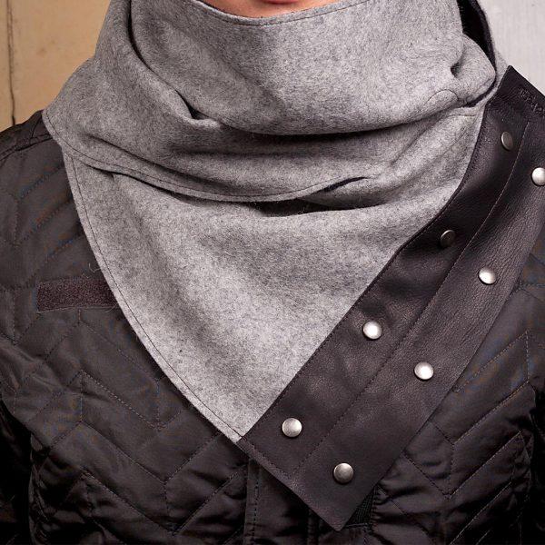 Handgemaakte sjaal met leder en vilt