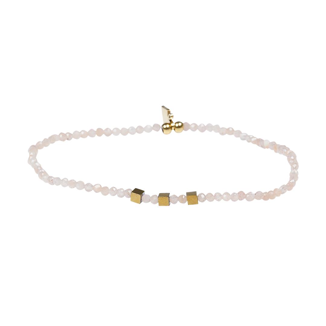 Edelsteen fijne armband zachtroze Maansteen Presents and Pearls